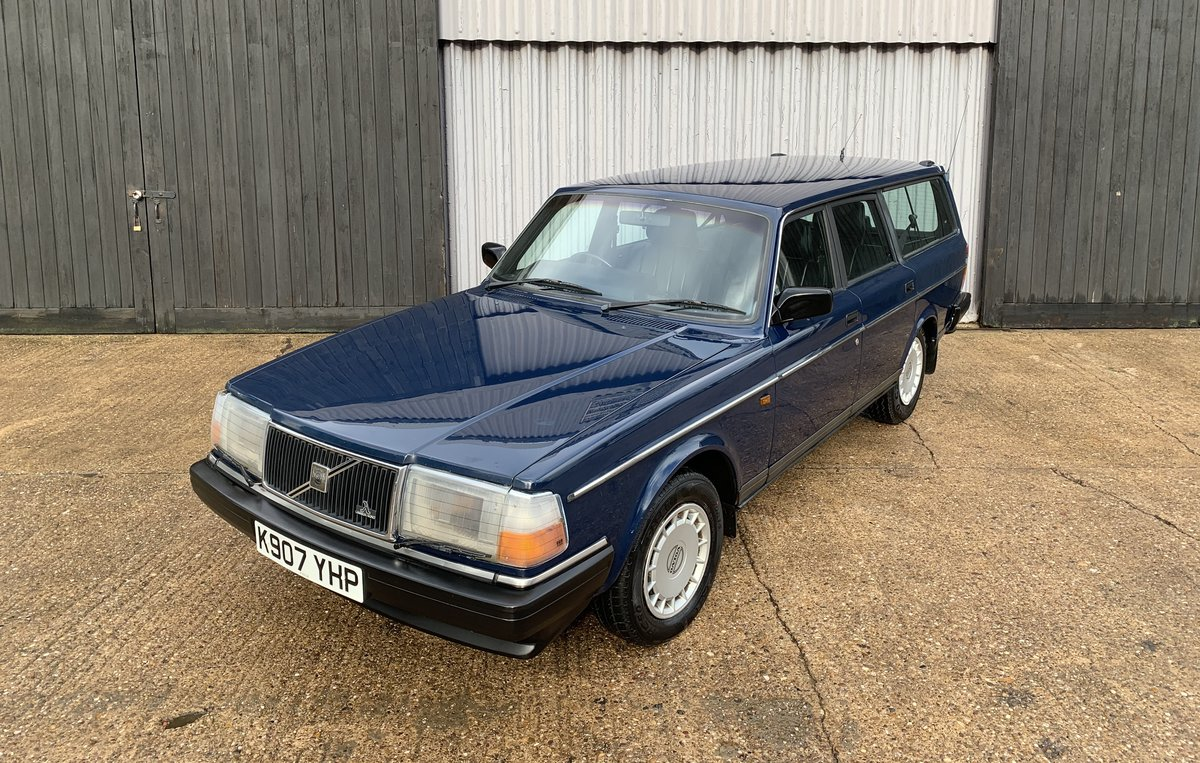 Stunning 1992 Volvo 240 2.0se **DEPOSIT TAKEN** SOLD (picture 1 of 6)