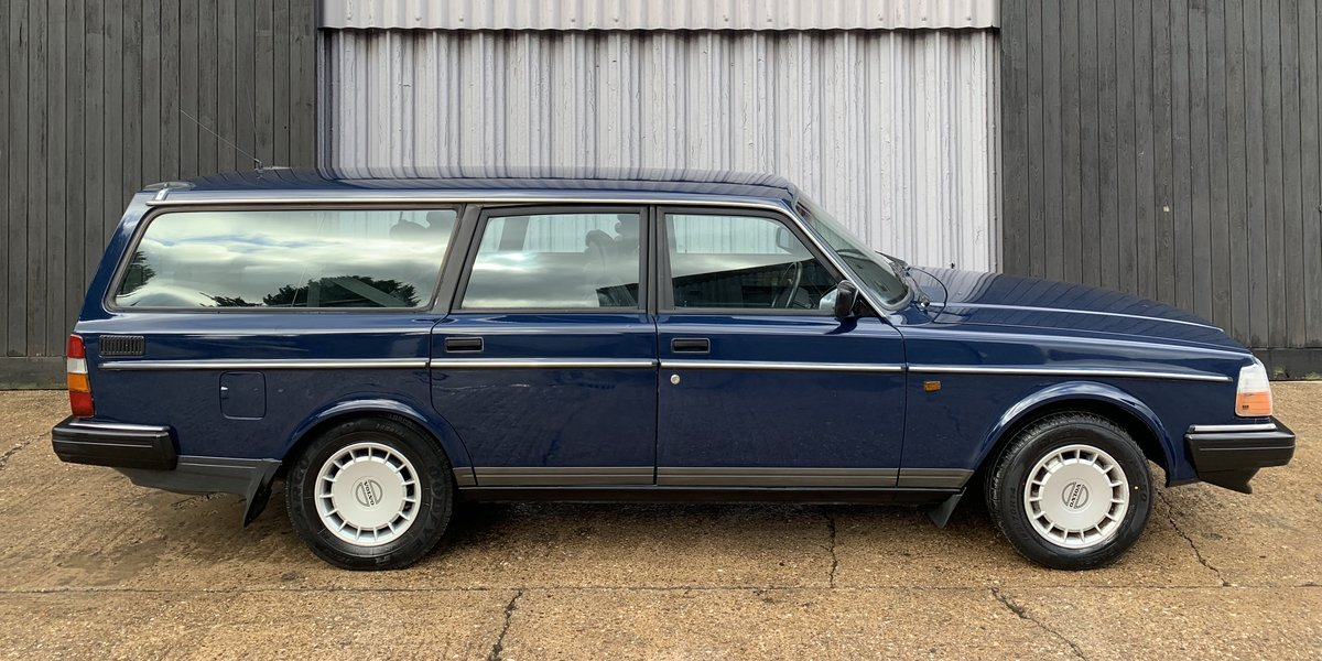 Stunning 1992 Volvo 240 2.0se **DEPOSIT TAKEN** SOLD (picture 2 of 6)