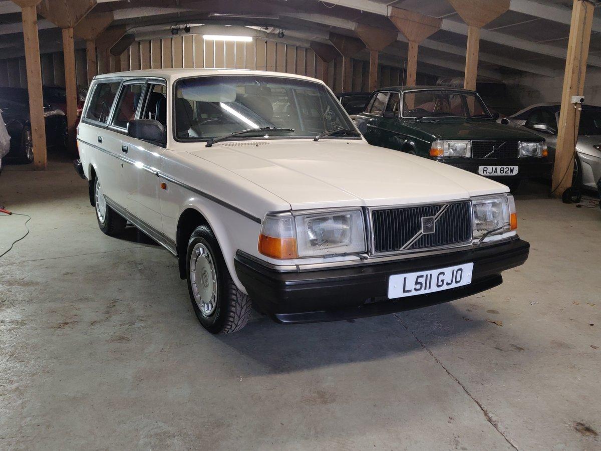 1993 Volvo 240 SE Estate SOLD (picture 2 of 12)