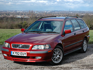 2001 Volvo V40 1.9 T4 Automatic 'Sport Lux' Specification SOLD