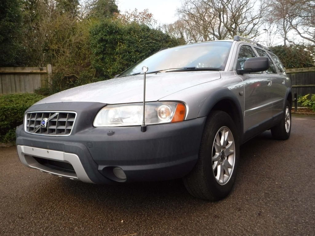 2005 Volvo XC70 2.5 T SE Lux Geartronic AWD 5dr For Sale (picture 2 of 6)