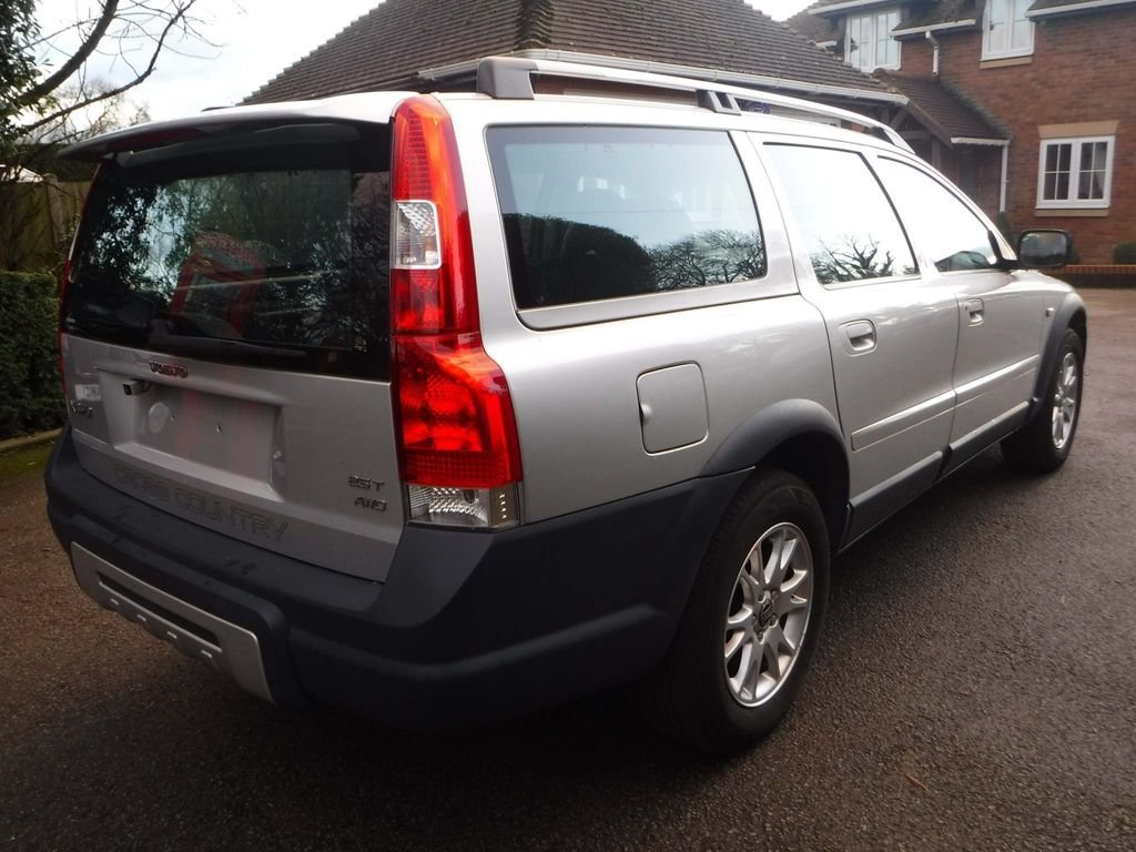 2005 Volvo XC70 2.5 T SE Lux Geartronic AWD 5dr For Sale (picture 4 of 6)