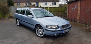 Lovely Volvo V70 D5 2.4 with 11 months MOT