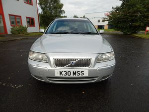 VOLVO V70 2.4 SE SPORT 5 SPEED MOT 15TH OCT 2020