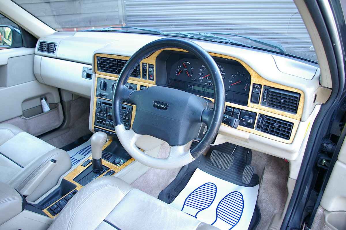 1996 Volvo 850 R 2.3 Estate Automatic (39,888 miles) SOLD (picture 5 of 6)