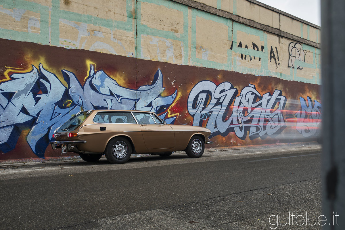 1972 Volvo 1800ES Gold metallic, great conditions For Sale (picture 1 of 6)