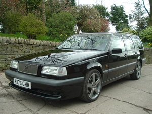 1995 95/M Volvo 850 T-5R Auto Estate. Black. 106000 Miles, FSH. For Sale