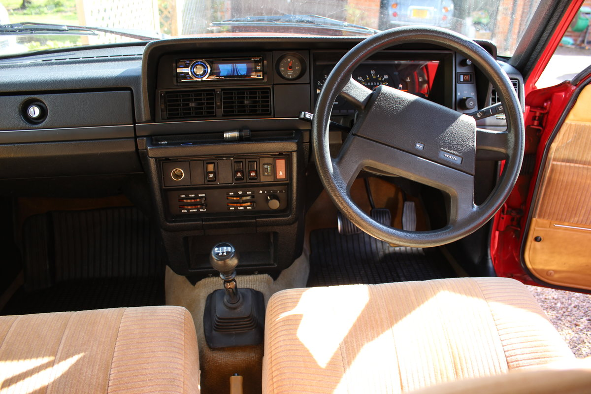 1992 Volvo 240 se estate 2.0 l  lpg conversion For Sale (picture 3 of 6)