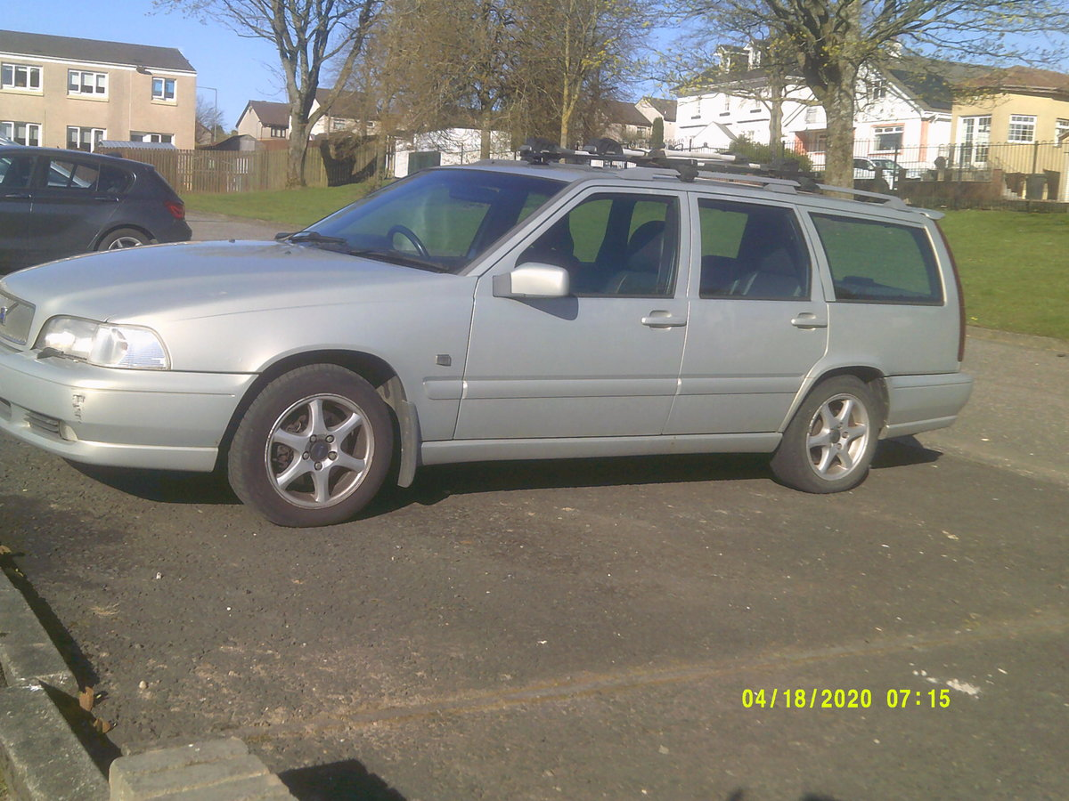 2000 volvo v70  service history .TOW BAR BIKE RACK  For Sale (picture 2 of 6)