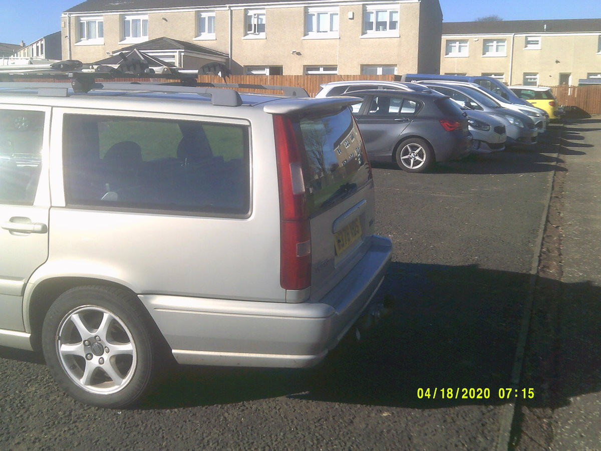 2000 volvo v70  service history .TOW BAR BIKE RACK  For Sale (picture 3 of 6)