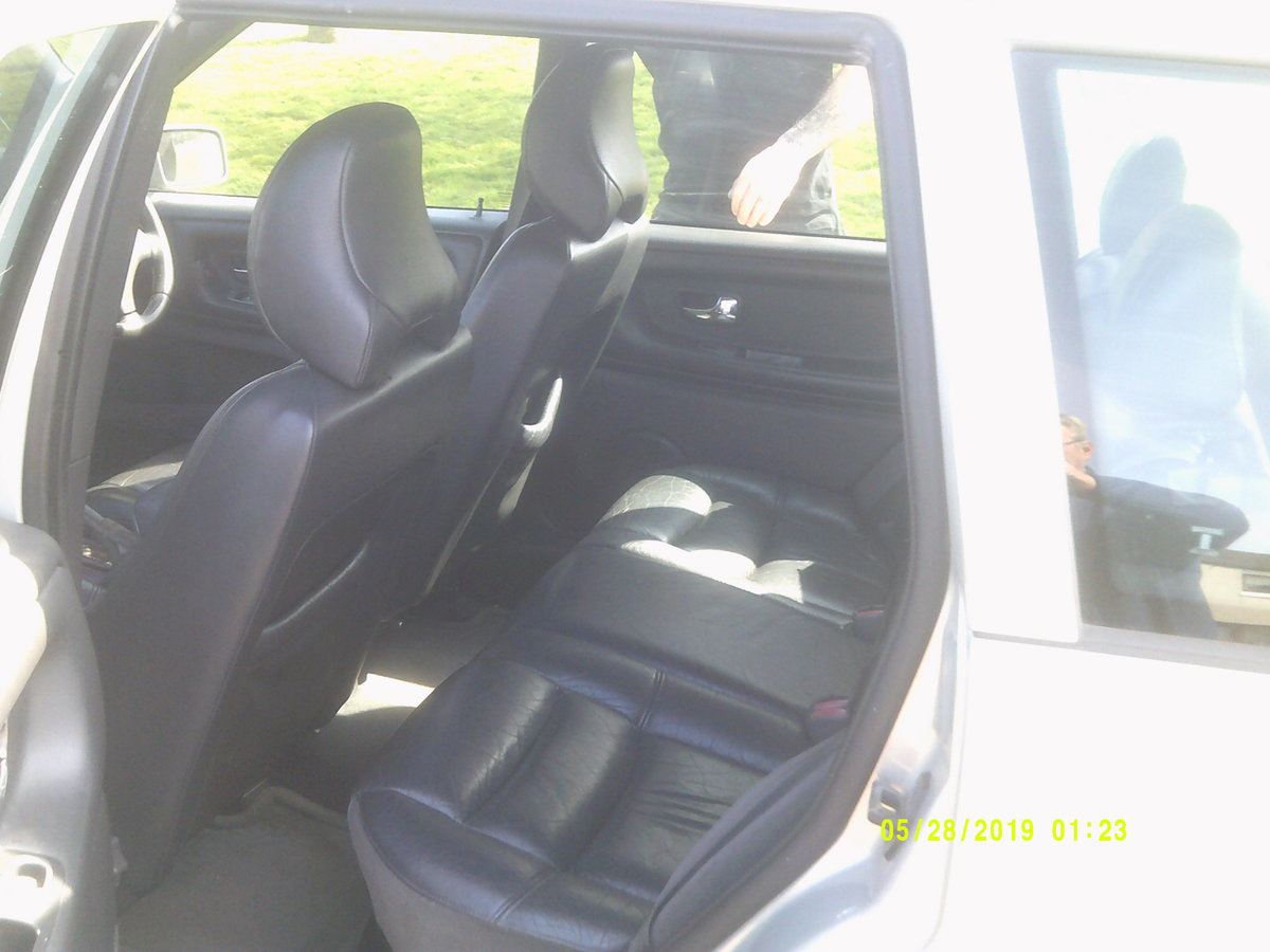 2000 volvo v70  service history .TOW BAR BIKE RACK  For Sale (picture 5 of 6)
