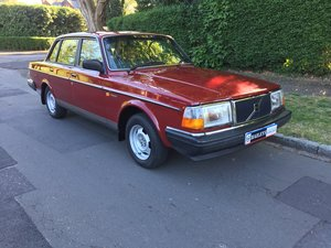 1988 Time Warp Volvo 240 GL 2.0i Automatic With 61k Miles & FSH