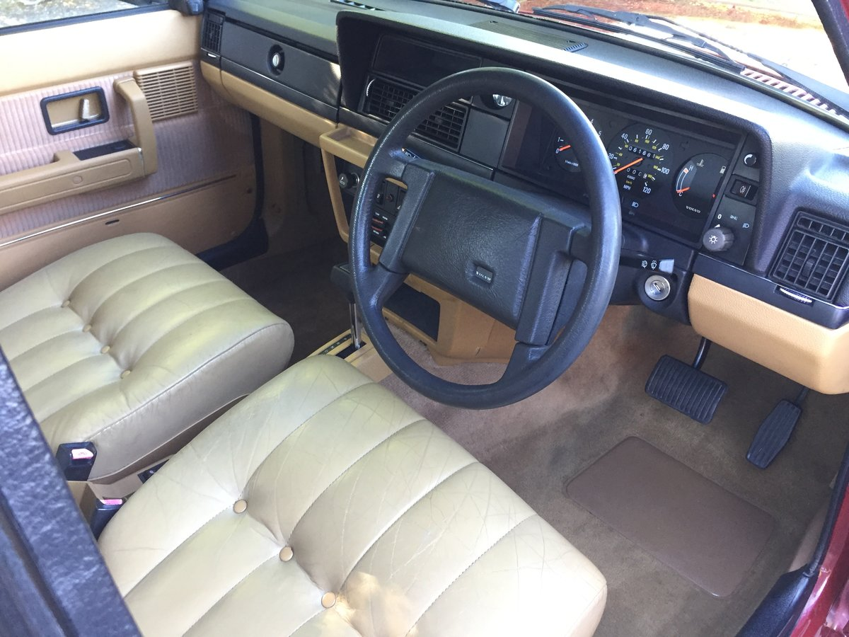 1988 Time Warp Volvo 240 GL 2.0i Automatic With 61k Miles & FSH SOLD (picture 5 of 6)