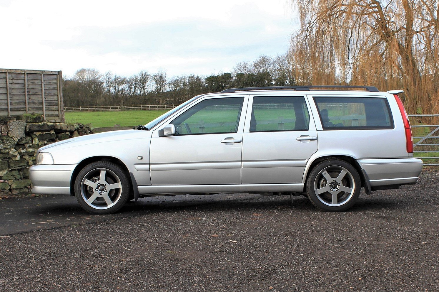 2000 V70R PH3 4WD,23,588 miles from new! Silver metallic For Sale (picture 1 of 6)