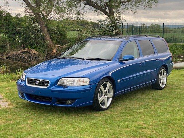 2006 VOLVO V70 R ESTATE 2.5 AWD 300 BHP AUTO * RARE SONIC BLUE SOLD (picture 1 of 6)