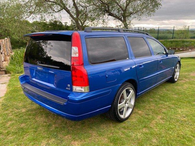 2006 VOLVO V70 R ESTATE 2.5 AWD 300 BHP AUTO * RARE SONIC BLUE SOLD (picture 2 of 6)