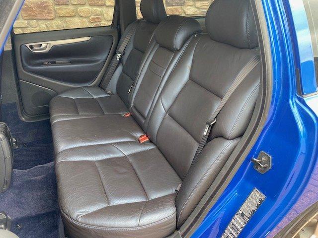 2006 VOLVO V70 R ESTATE 2.5 AWD 300 BHP AUTO * RARE SONIC BLUE SOLD (picture 3 of 6)