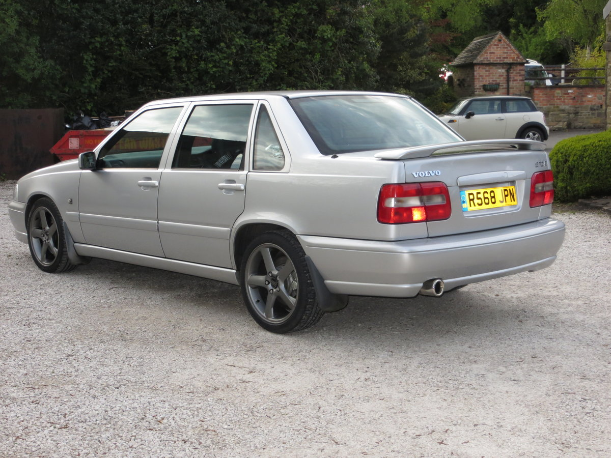Volvo S70R 1998 Manual For Sale (picture 4 of 6)