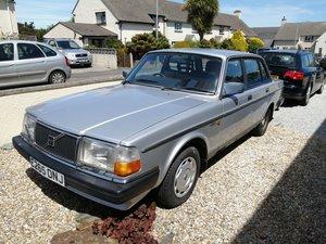 1987 Volvo 240 2.0L auto project car