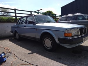 1989 Volvo 240 GL Manual saloon DELIVERY AVAILABLE