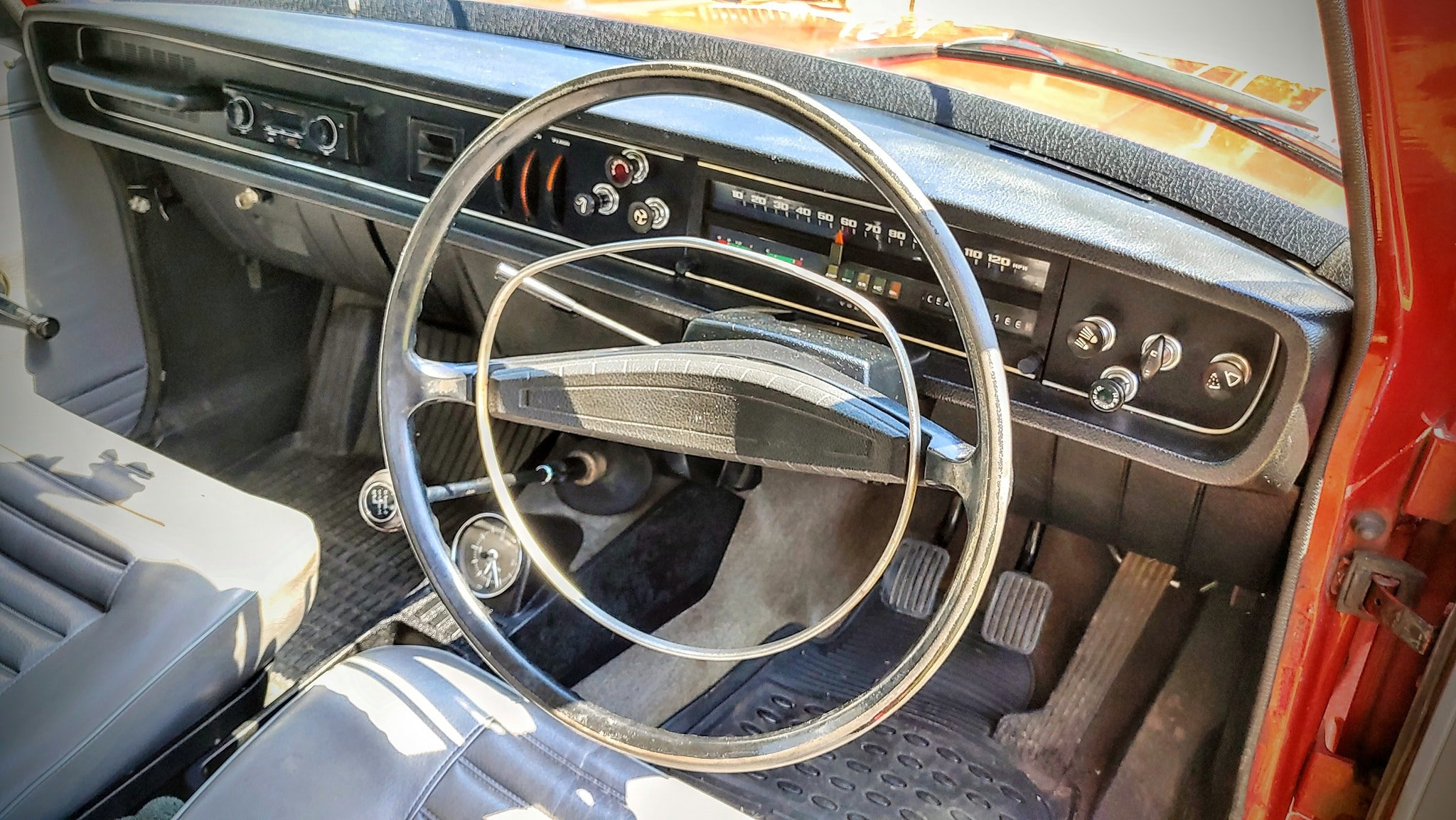 1971 Volvo 144 DeLuxe, Only 54K Miles..... For Sale (picture 4 of 6)