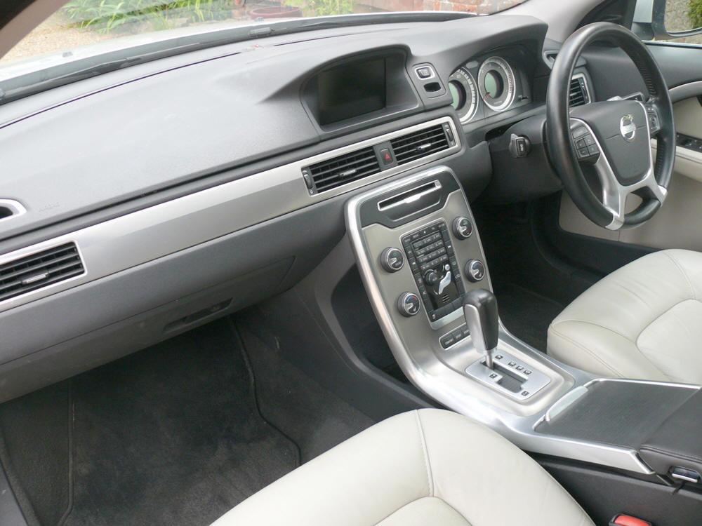 2012 Volvo V70 D5 SE Lux Estate  For Sale (picture 4 of 6)