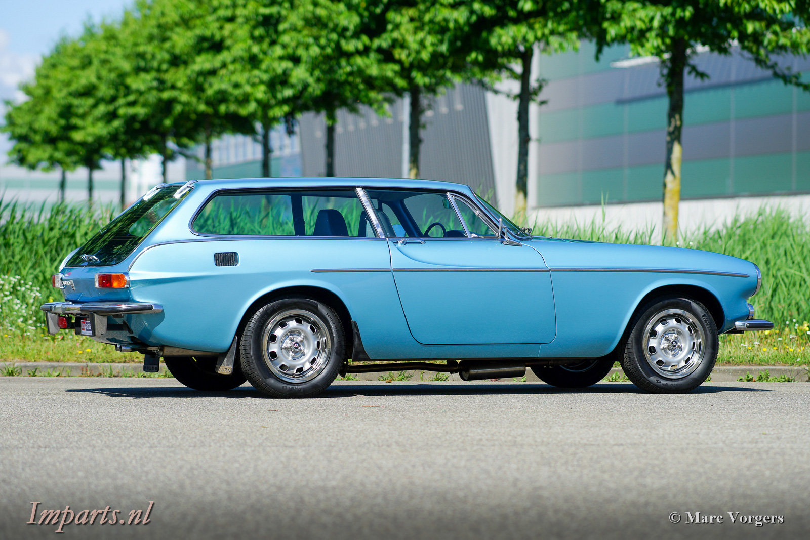 Excellent Classic Volvo P1800ES with Overdrive 1973 (LHD) For Sale (picture 4 of 6)