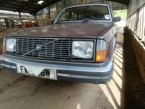 classic volvo 245 estate for restoration