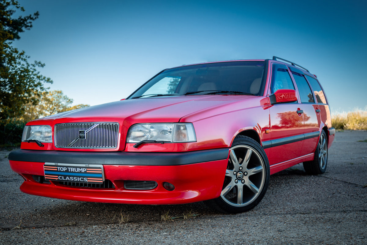 1996 VOLVO 850 R ESTATE LOW MILES STUNNING CONDITION MODERN CLASS For Sale (picture 1 of 6)