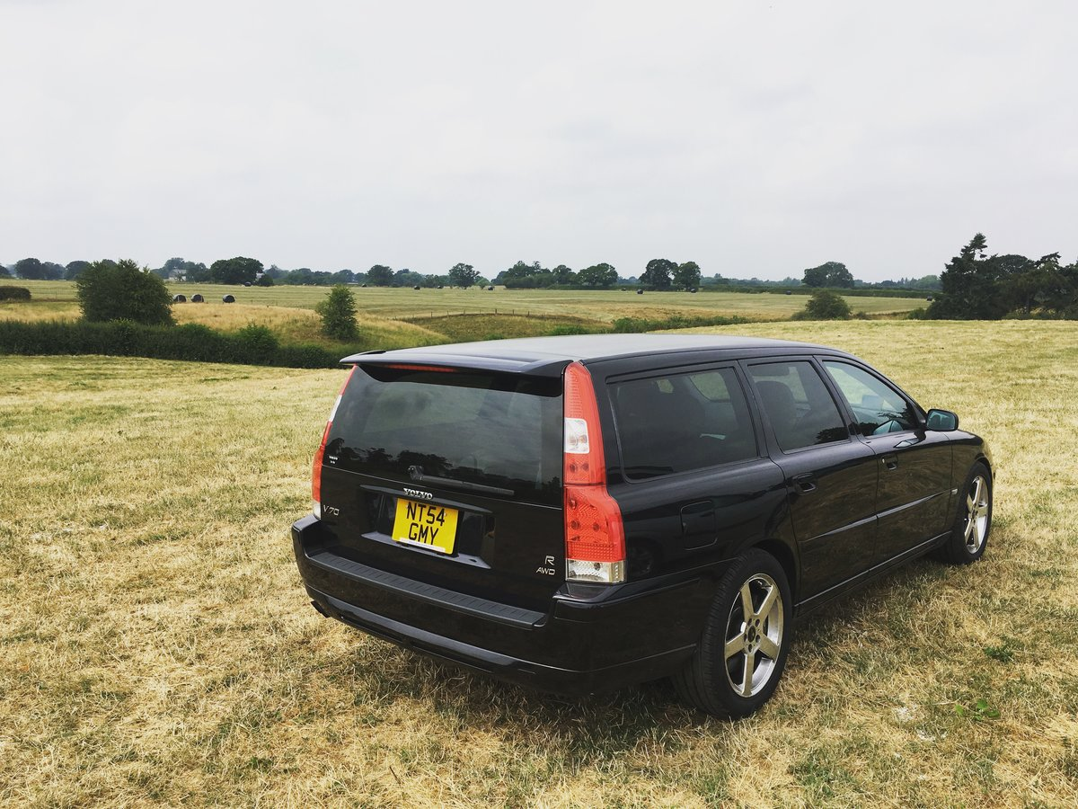 2005 Volvo V70R AWD 2.5L Turbo auto JDM import For Sale (picture 4 of 6)