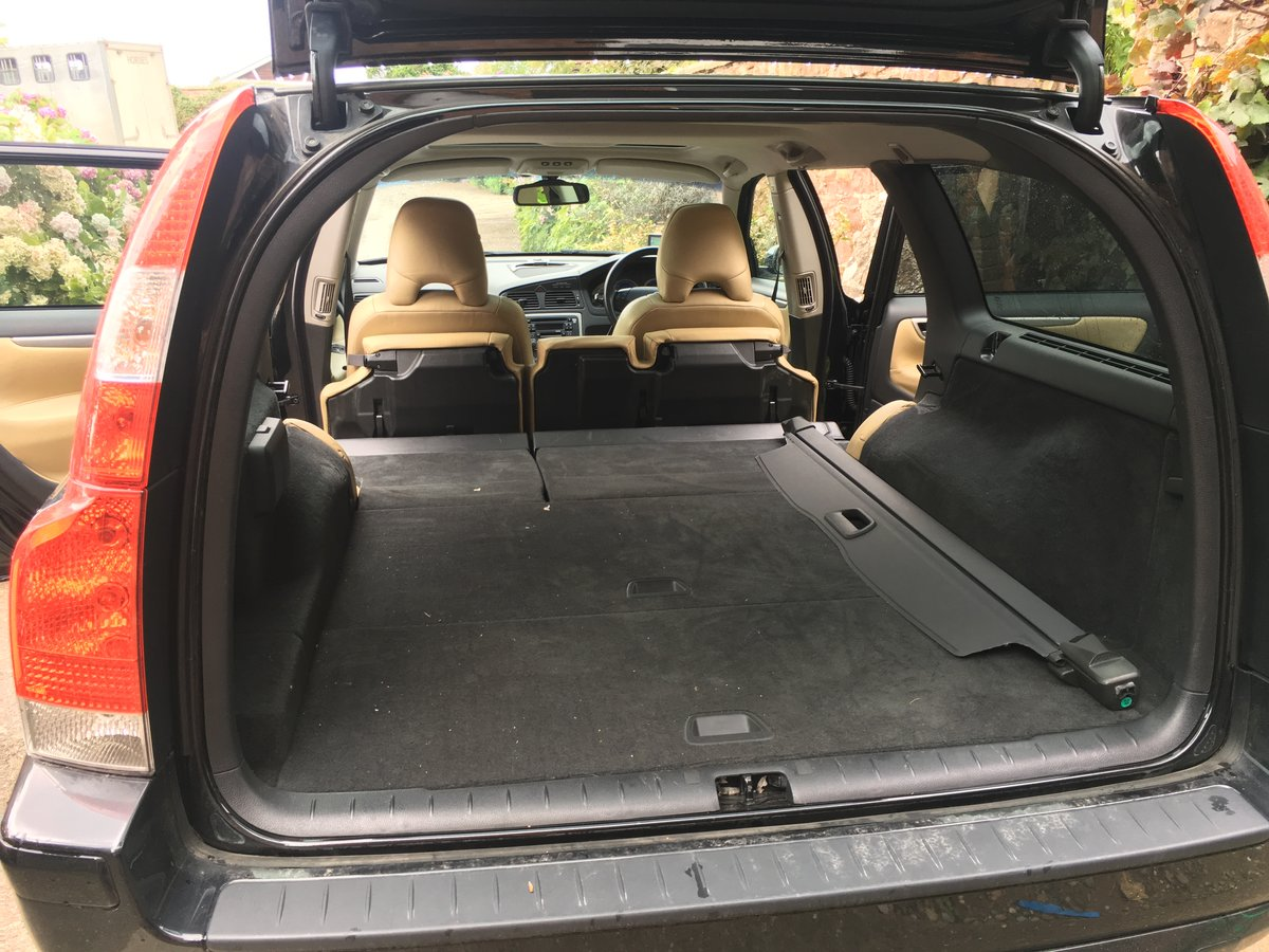 2005 Volvo V70R AWD 2.5L Turbo auto JDM import For Sale (picture 5 of 6)