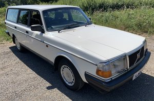 1993 VOLVO 240 SE ESTATE For Sale by Auction