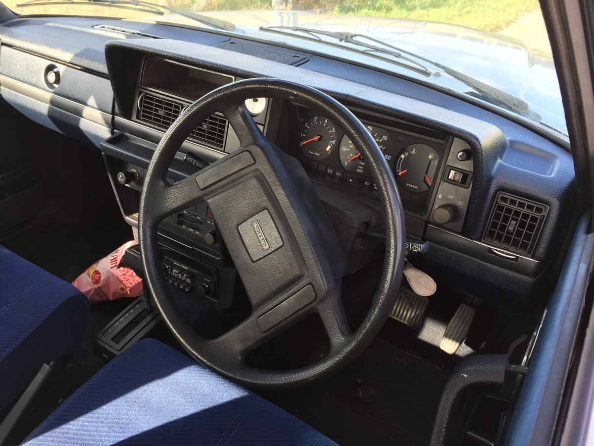 1984 Volvo 240 Low owner well maintained, silver saloon SOLD (picture 6 of 6)