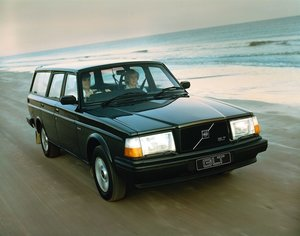 Picture of 0089 Volvo 240's