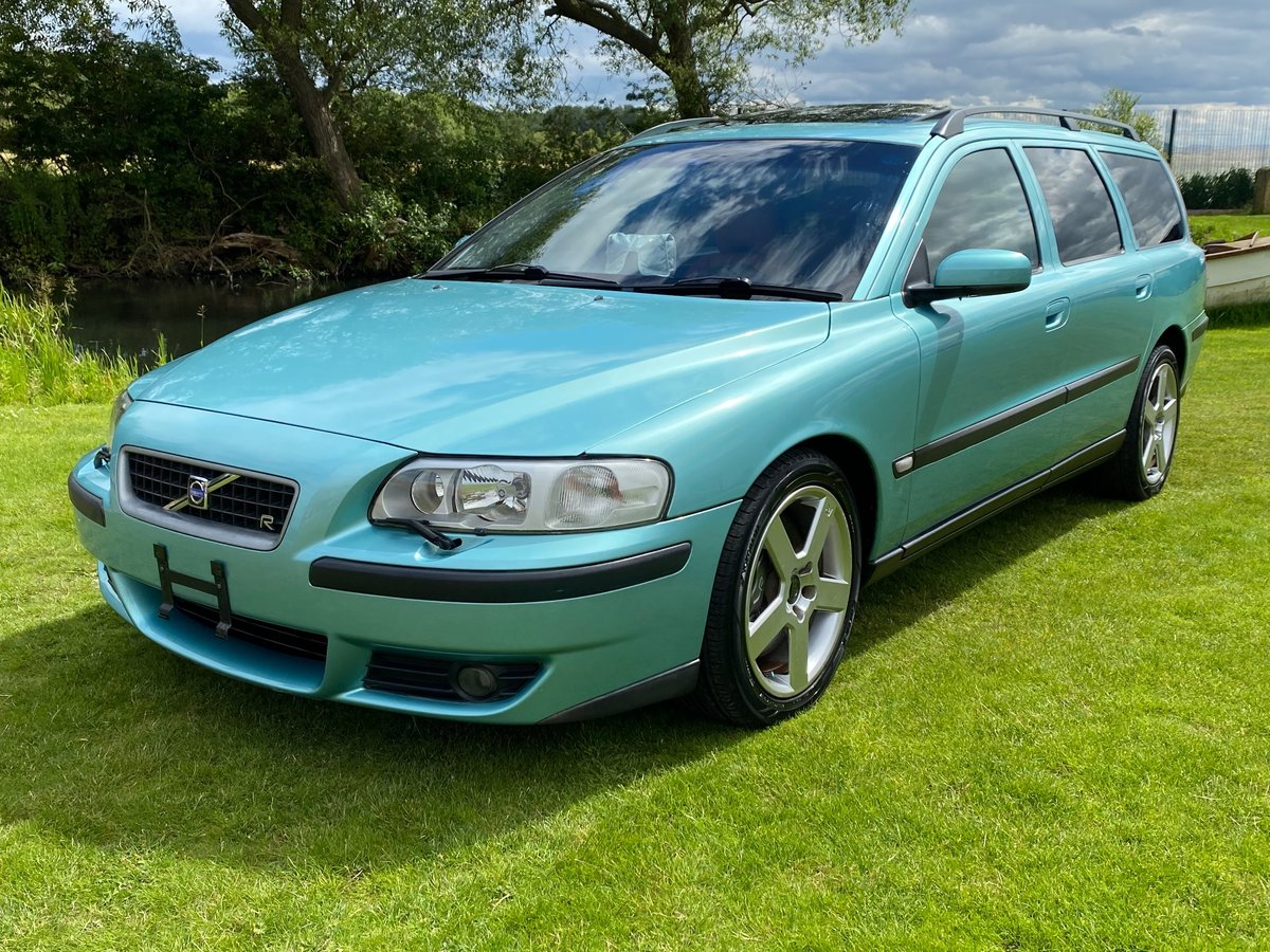 2003 VOLVO V70 R ESTATE 2.5 AWD 300 BHP AUTOMATIC * For Sale (picture 1 of 6)