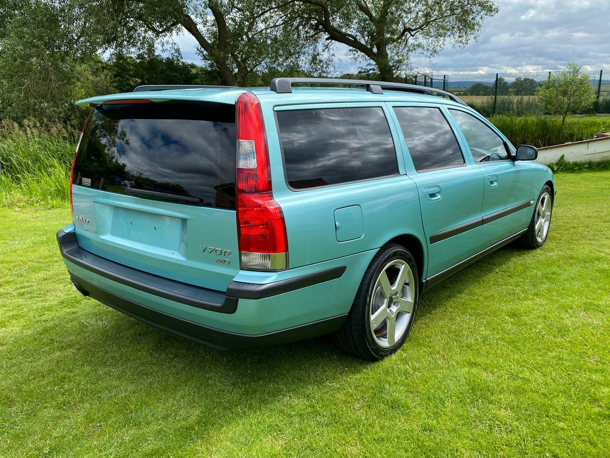 2003 VOLVO V70 R ESTATE 2.5 AWD 300 BHP AUTOMATIC * For Sale (picture 2 of 6)