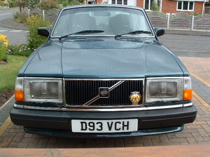 Volvo 240 gl saloon 2.3 ltr auto - only60000 miles