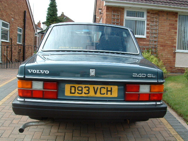 1987 Volvo 240 gl saloon 2.3 ltr auto - only60000 miles SOLD (picture 3 of 6)