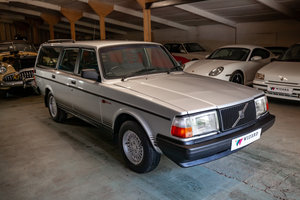 Picture of 1993 Volvo 240 Torslanda Estate Manual