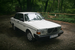 1990 Volvo 240GL saloon For Sale