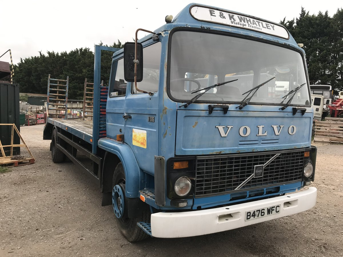 1985 Volvo f616 sleeper cab beaver tail truck For Sale (picture 1 of 6)