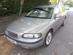 2003 VOLVO V70 2.4 D5 SE ESTATE GOLD FSH MANUEL For Sale