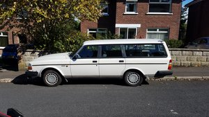 Volvo 240 DL estate