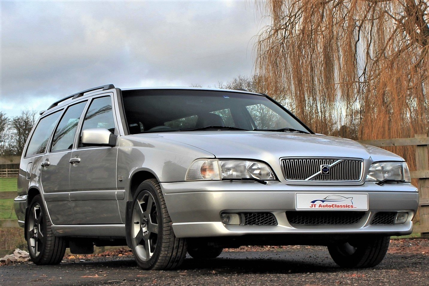 2000 V70R PH3 4WD,23,588 miles **Deposit taken** SOLD (picture 1 of 6)
