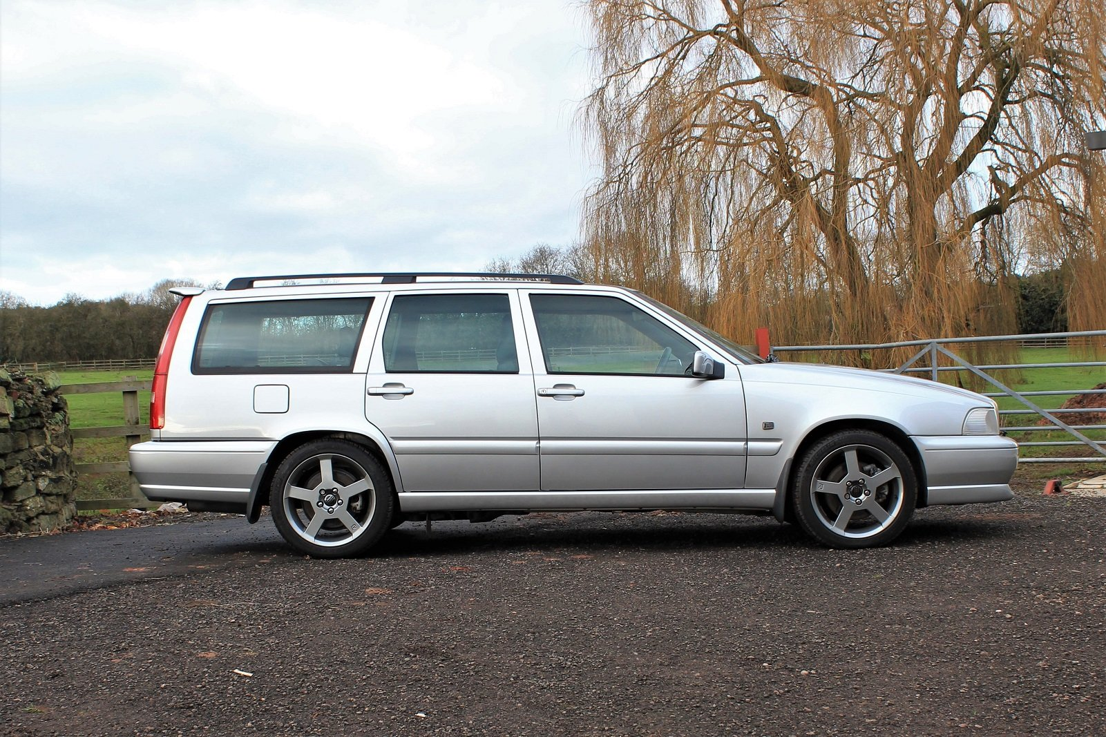 2000 V70R PH3 4WD,23,588 miles **Deposit taken** SOLD (picture 2 of 6)