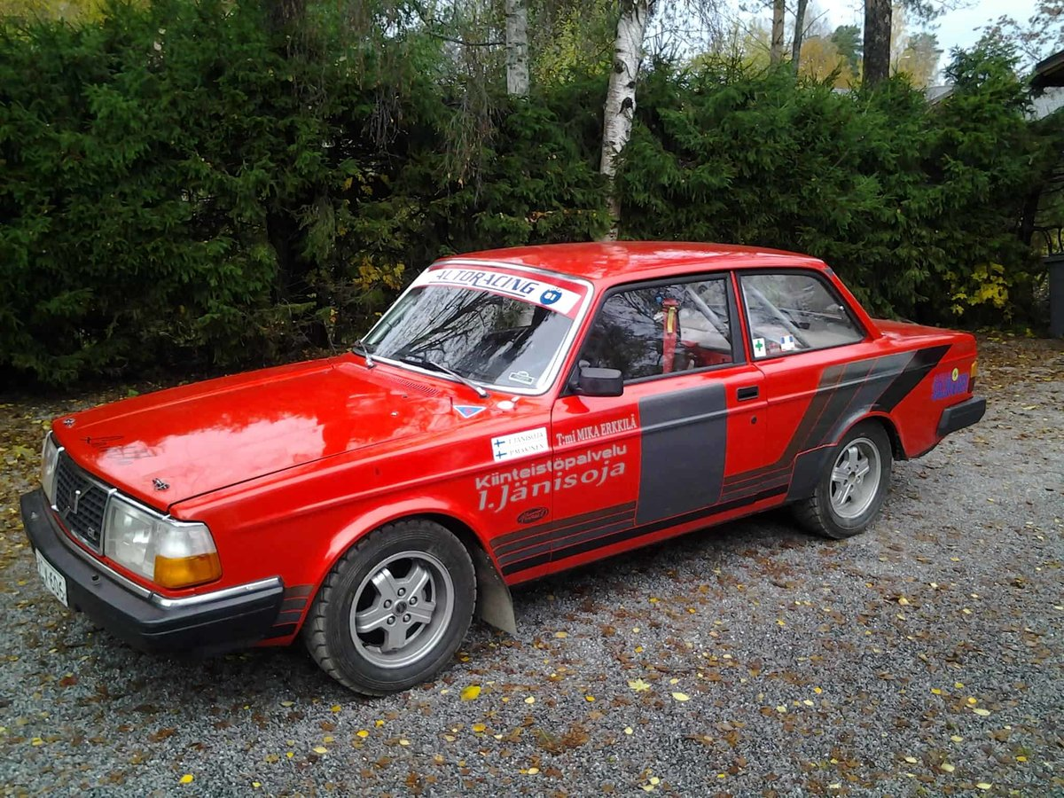 1980 Volvo 240 Historic Rally Car For Sale (picture 1 of 6)