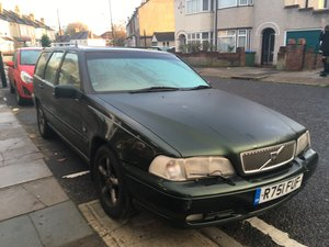 V70 Automatic low mileage great condition!