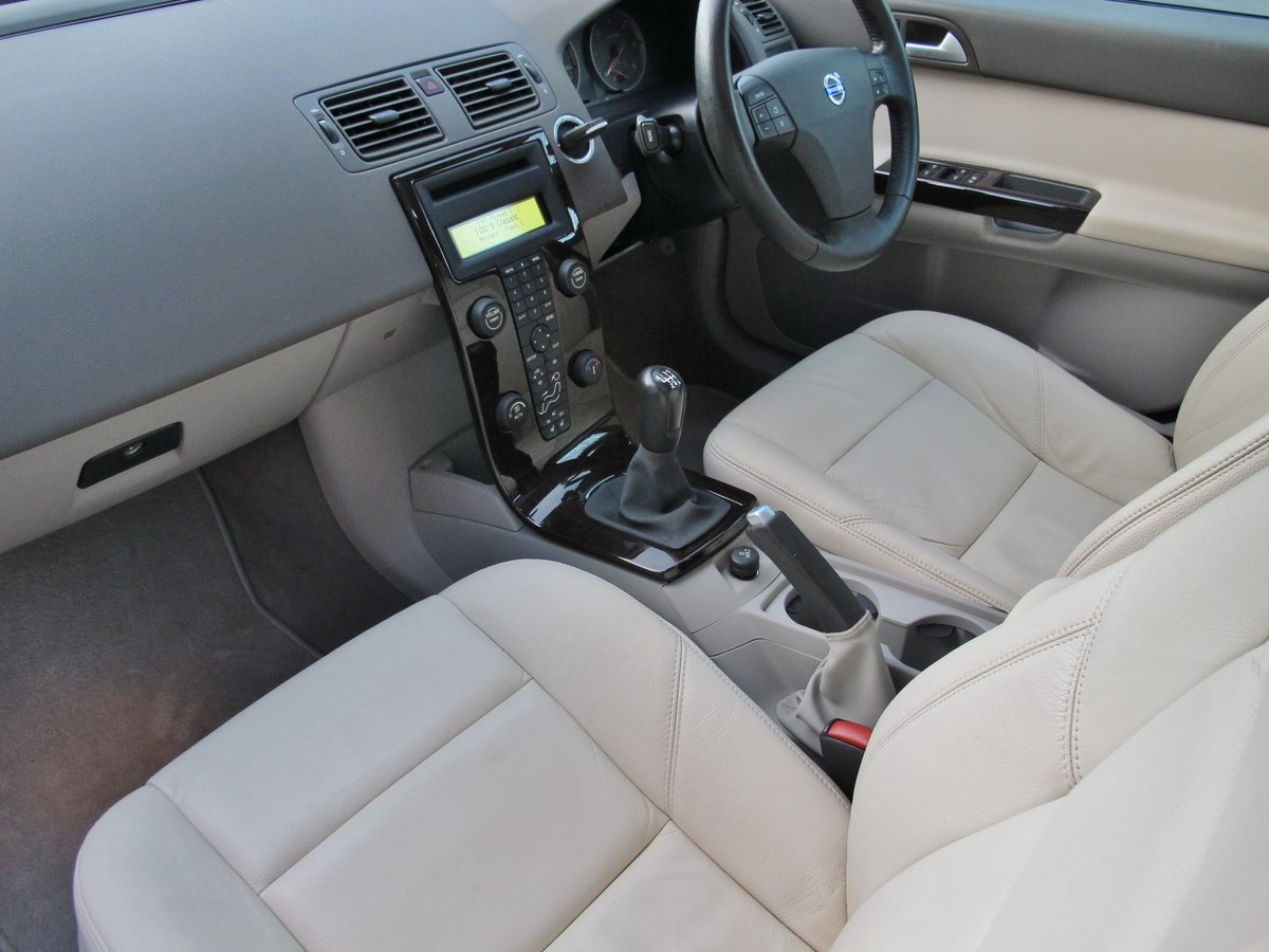 2007 VOLVO V50 2.0 D SE SPORT 1 OWNER+VOLVO 19400 m FSH LEATHER For Sale (picture 4 of 12)