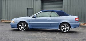 Picture of 2004 Volvo C70 T5 GT SOLD