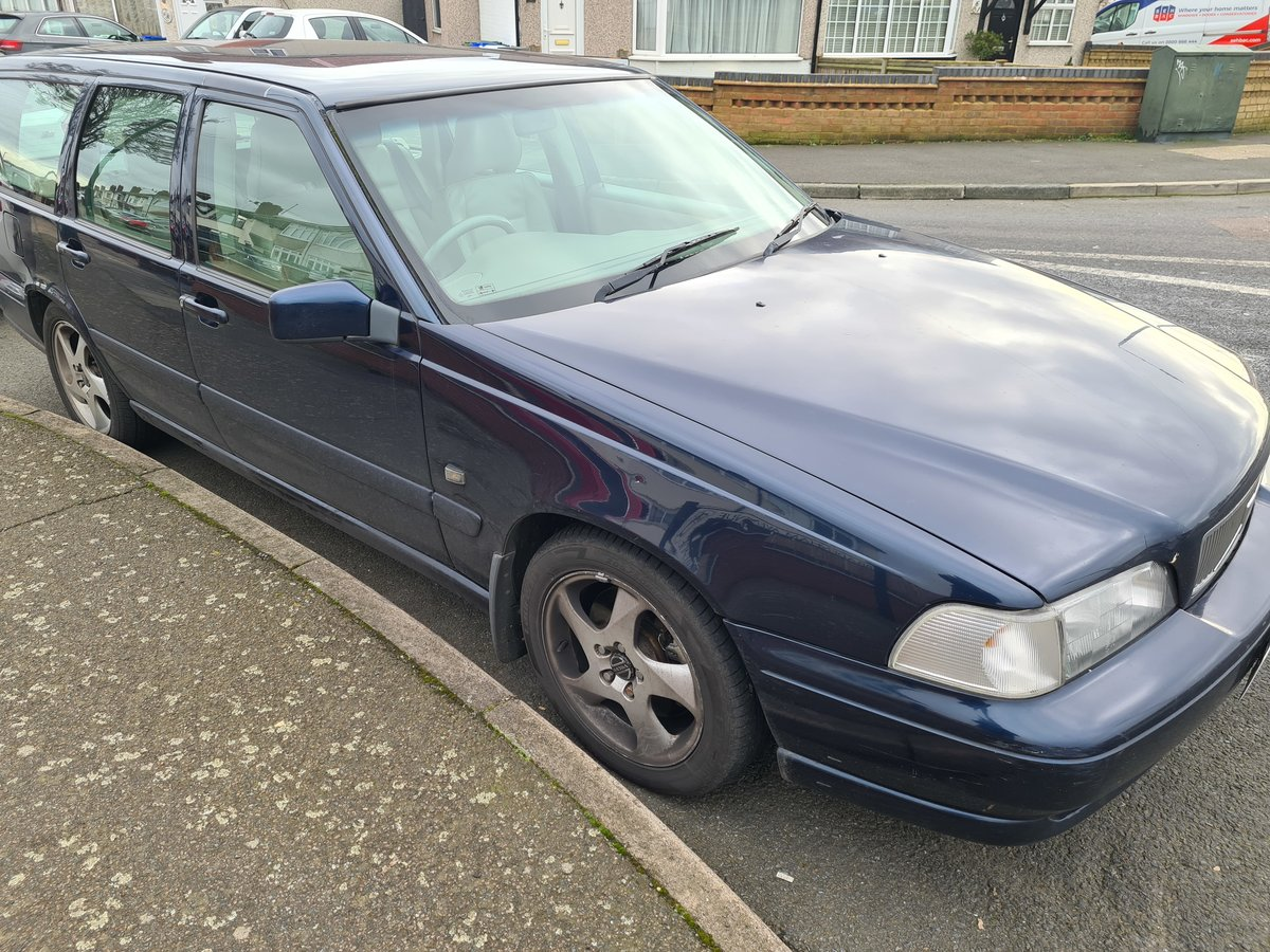 1998 Volvo V70 T5 auto blue